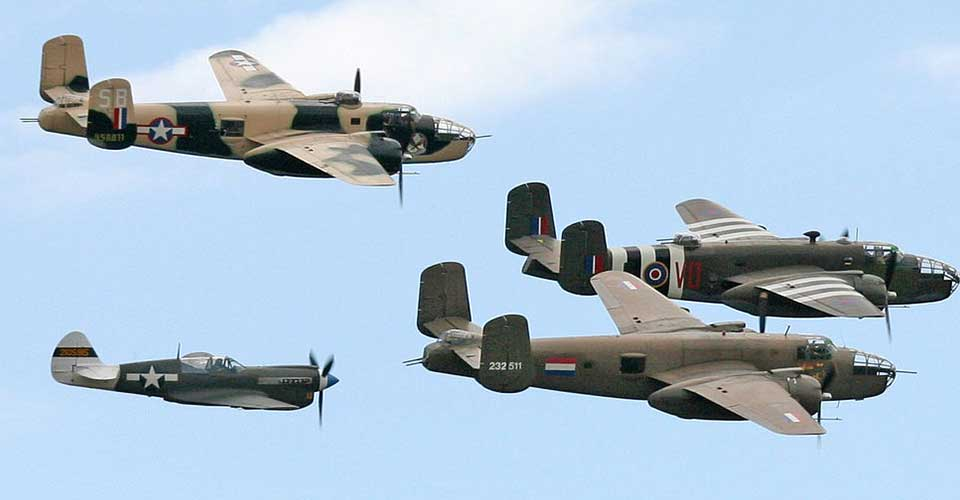 fighter, 3 Bombers